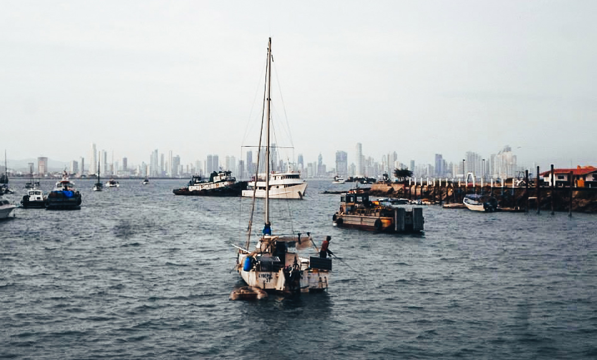 Backpacking Panama city? Here's why I hated and loved it. The boats sitting on the water in the city port